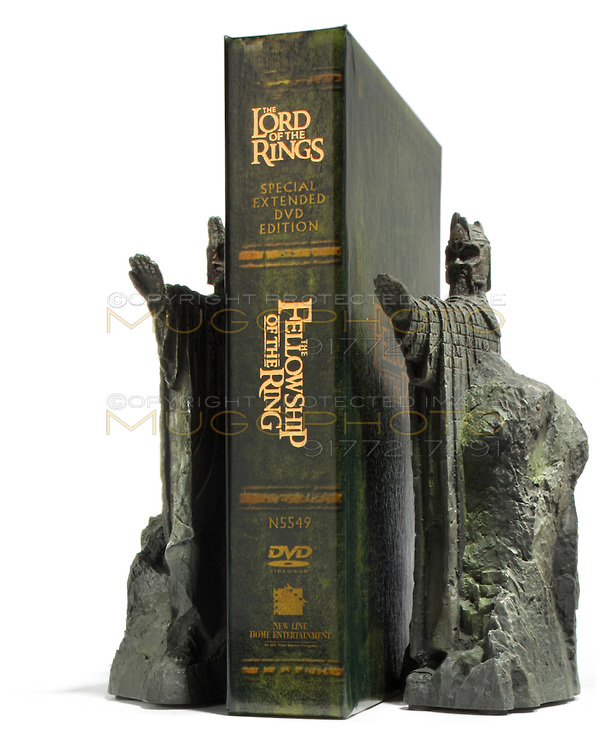 Weta bookends lord of the rings argonath new rare collectors set figures ebay - Argonath bookends ...
